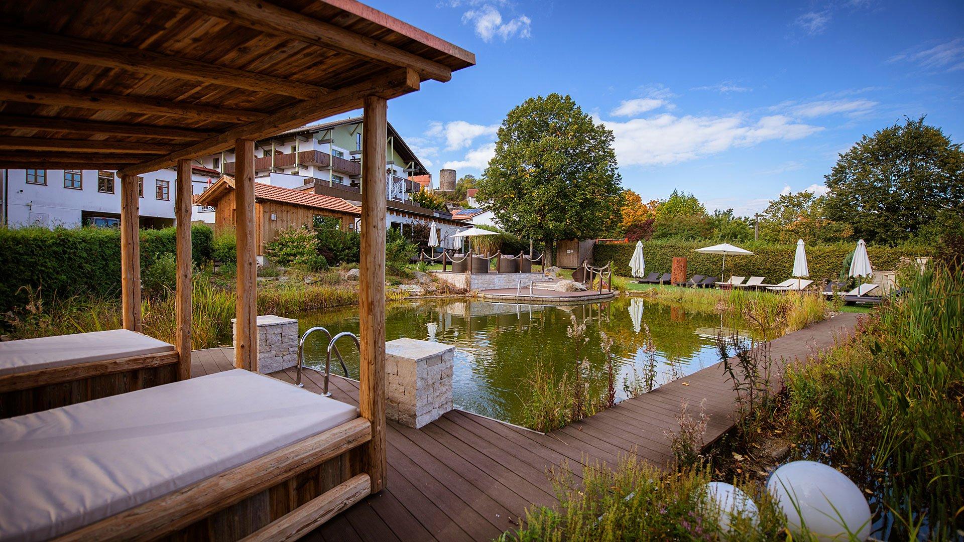 Hotel badeteich bayerischer wald for Designhotel bayerischer wald