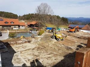 Bei dem schönen Wetter im Bayerischen Wald gehen die Umbauarbeiten an unserem 4 Sterne Wellnesshotel zügig voran