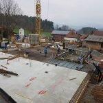 Die zweite Bodenplatte unseres 4 Sterne Hotel im Bayerischen Wald wird gegossen