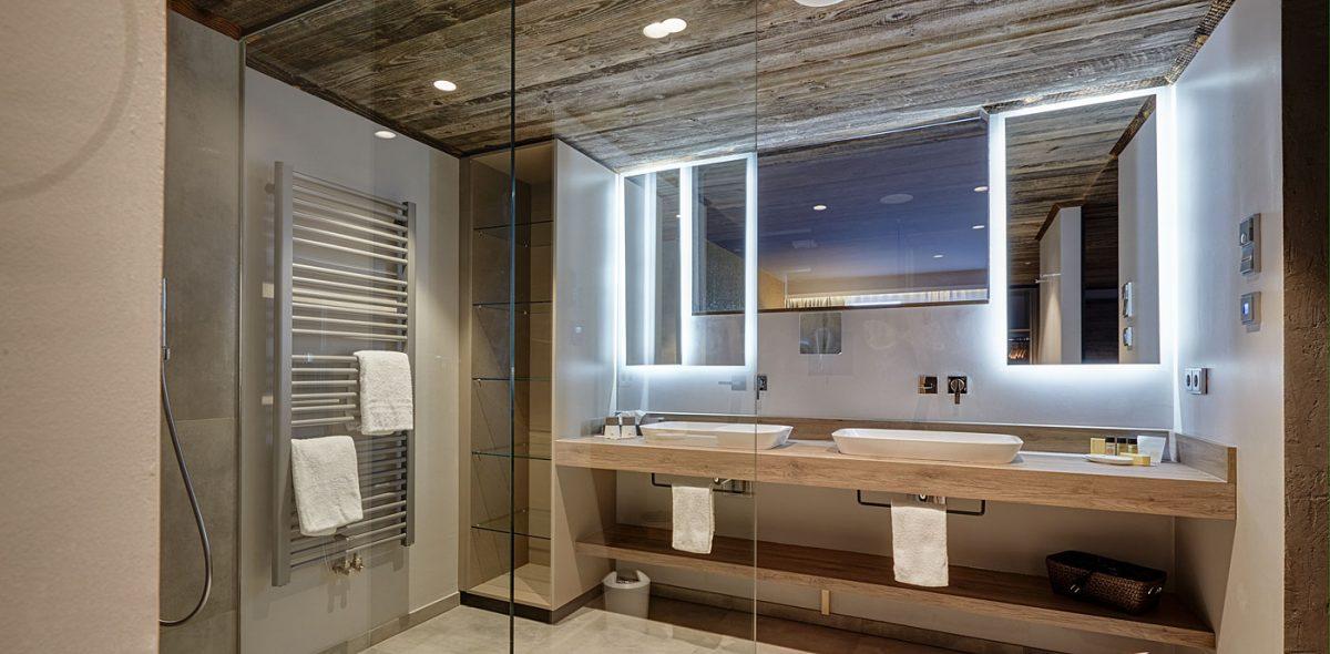 Luxuröse Badezimmer unseren Suiten im 4 Sterne Wellnesshotel Bayerischer Wald