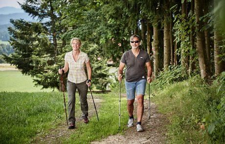 Nordik Walkin im Bayerischen Wald - 4 Sterne Wellnesshotel Zum Bräu