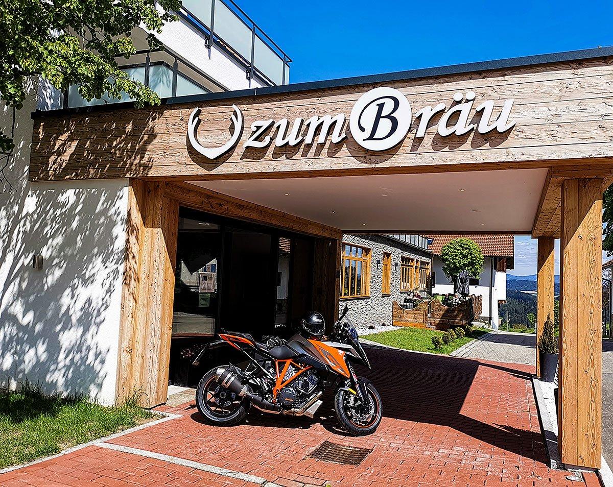 Bikerhotel Zum Bräu Ihr 4 Sterne Hotel im Bayerischen Wald