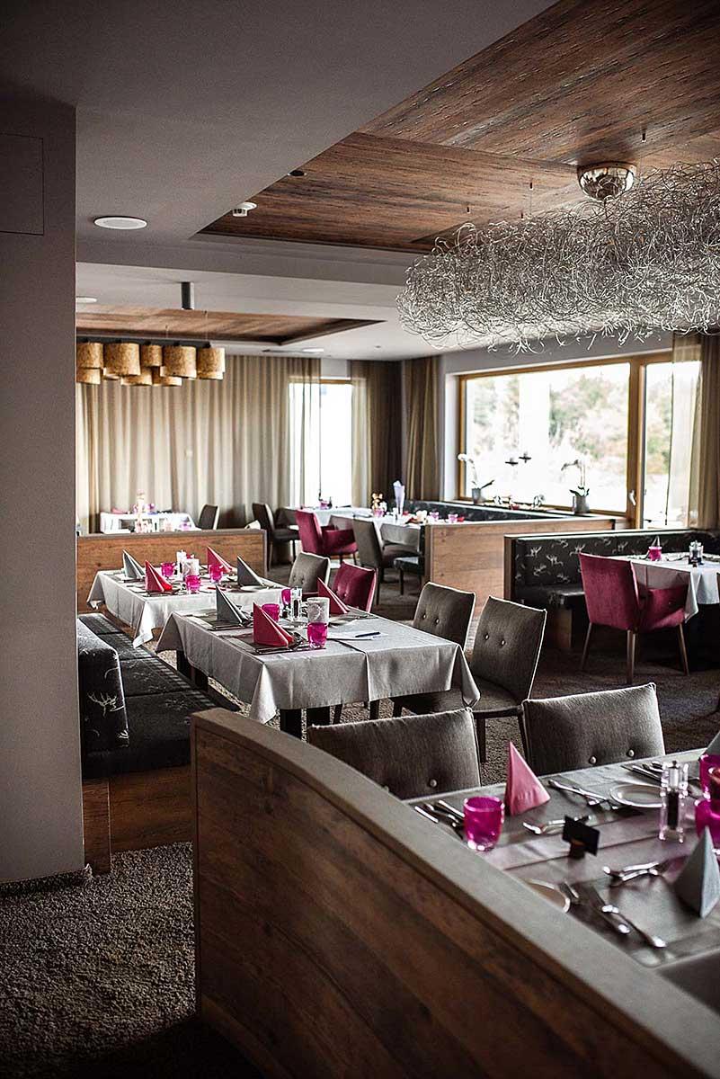 Stylisches Abendrestaurant unseres Wellnesshotel für Erwachsene im Bayerischen Wald